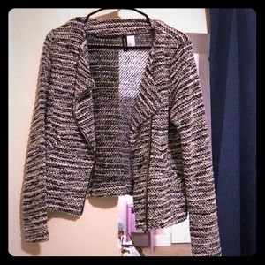 Knit sweater/blazer with diagonal zipper front H&M